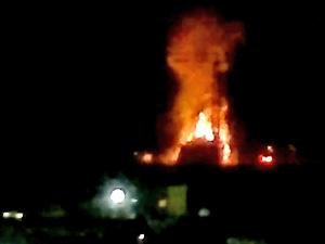 Возле Алабушево горят вырубленные деревья