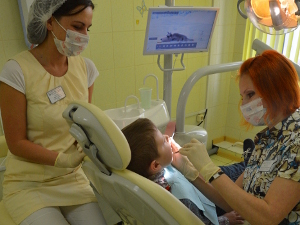 С первых зубов