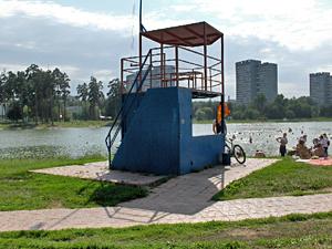 На Школьном озере установят камеру наблюдения и еще один спасательный пункт