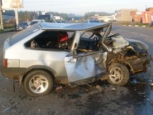 Пьяный водитель без прав устроил серьезную аварию