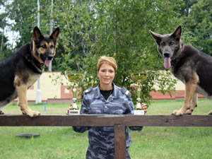 Кинологи зеленоградской полиции привезли награды из Москвы