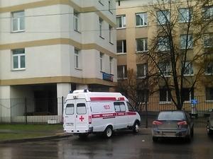 Медики отвергли обвинения в неоказании помощи упавшей у входа в поликлинику женщине