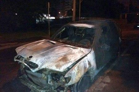 В выходные в 9-м микрорайоне сгорел BMW