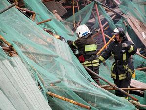 Спасатели разобрали завалы у корпуса 612
