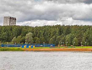 Роспотребнадзор снял запрет на купание в Школьном озере