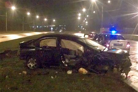 Водитель тяжело пострадал при опрокидывании машины на Кутузовском шоссе