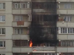 В 16-м микрорайоне сгорел балкон квартиры