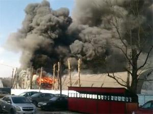 В Сходне сгорел склад