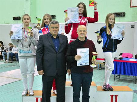 Юные саблистки из Зеленограда заняли весь пьедестал на всероссийском турнире в Казани