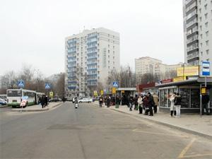 Группа белорусов избила и ограбила прохожего