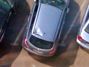 На автомобиль у «клюшки» упала кувалда