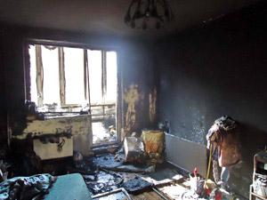 В 14-м микрорайоне из-за детской шалости сгорел балкон квартиры
