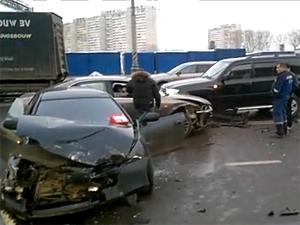 В аварии на Новокрюковской улице серьезно пострадала автомобилистка