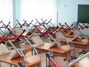 В школах на неделю отменили занятия