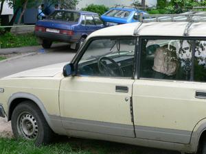 Внук угнал автомобиль у своего деда