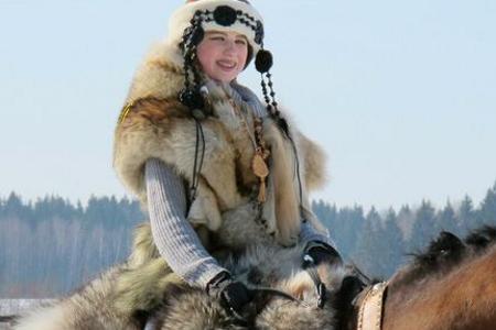 7 марта Vsedlo.ru приглашает бесплатно покататься на лошади и принять участие в фотосессии