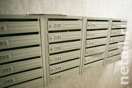В подъезде дома в 15-м микрорайоне установили почтовые ящики с замками без ключей