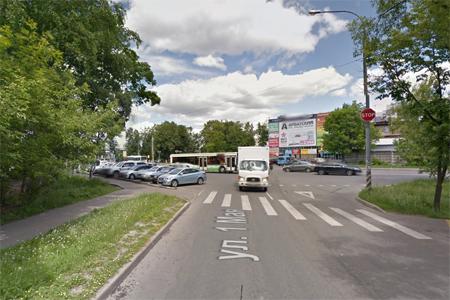Рядом со станцией Крюково автомобиль сбил пенсионерку и скрылся