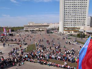 Префект опроверг обещания устроить луна-парк на Центральной площади