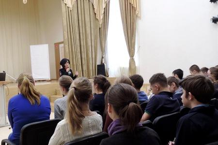 Инспекторы ГИБДД рассказали зеленоградским школьникам о правилах поведения на улице в зимний период