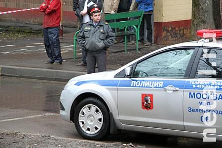В автомобиле в 11-м микрорайоне нашли два трупа