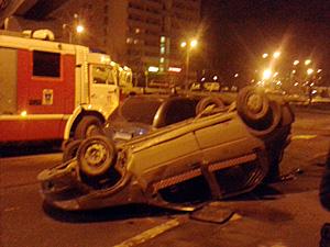 На Сосновой аллее перевернулось такси