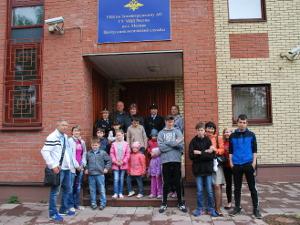 Дети в гостях у четвероногих полицейских