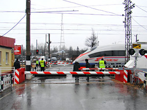 На станции Фирсановка установят противотаранный шлагбаум