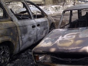 В 8-м районе подожгли машину из Дагестана