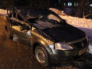 На Озерной аллее такси «Ракета» столкнулось с трактором