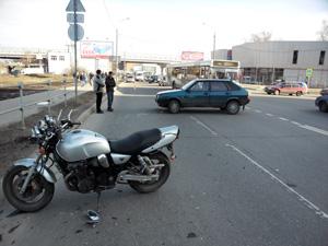 В ДТП у станции Крюково пострадал мотоциклист