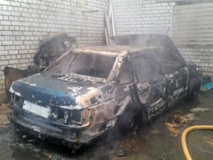 В андреевском ГСК сгорел автомобиль