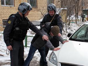 Посетители спортбара поймали грабителя